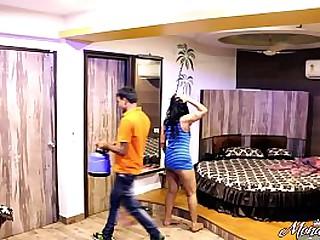 Indian Bhabhi Asking Caravanserai Waiter Boy To Have Sexual relations