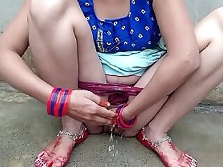 Desi shire Bhabhi bathroom sex with Dever