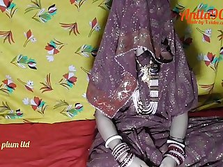 Indian bhabi Dost ki bibi ko bula kar hotal me choda