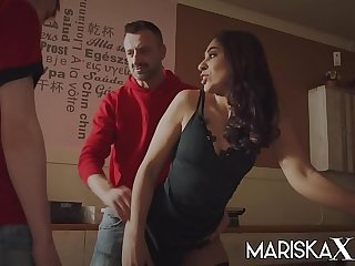 MARISKAX Bosom delivery for..