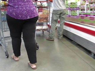 Fat juicy Indian booty..