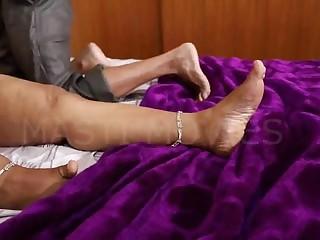 Mature indian aunty hot sex..