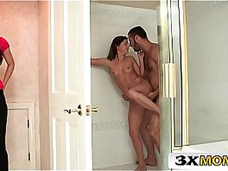 Mom vs Teen - Sharing Beamy Cock in dramatize expunge Bathroom - India Summer, Dream Howell